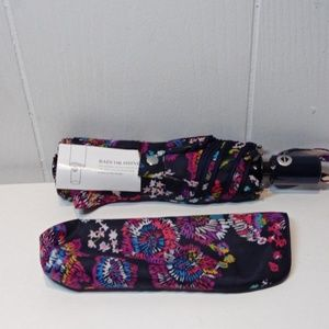 Vera Bradley Accessories - Vera Bradley Umbrella in Midnight Wildflowers